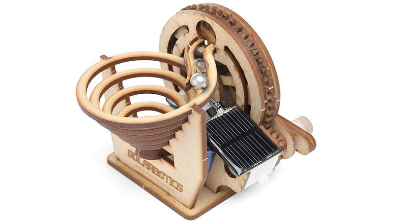 Illustration for article titled This Ball Machine Fakes Perpetual Motion As Long As the Sun Is Shining