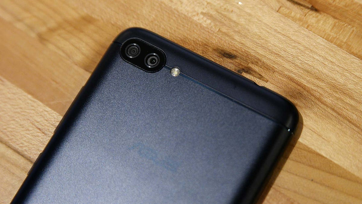 This Cheap Smartphone Has a Ridiculous Battery, and It Makes Me Want