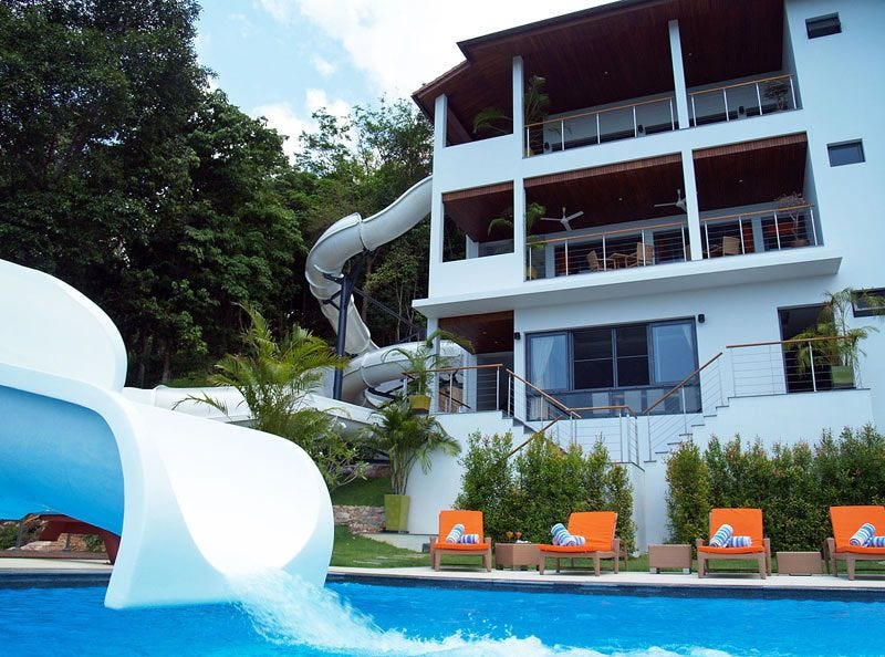 Illustration for article titled Every House Should Have a 256-Foot Double Loop Water Slide