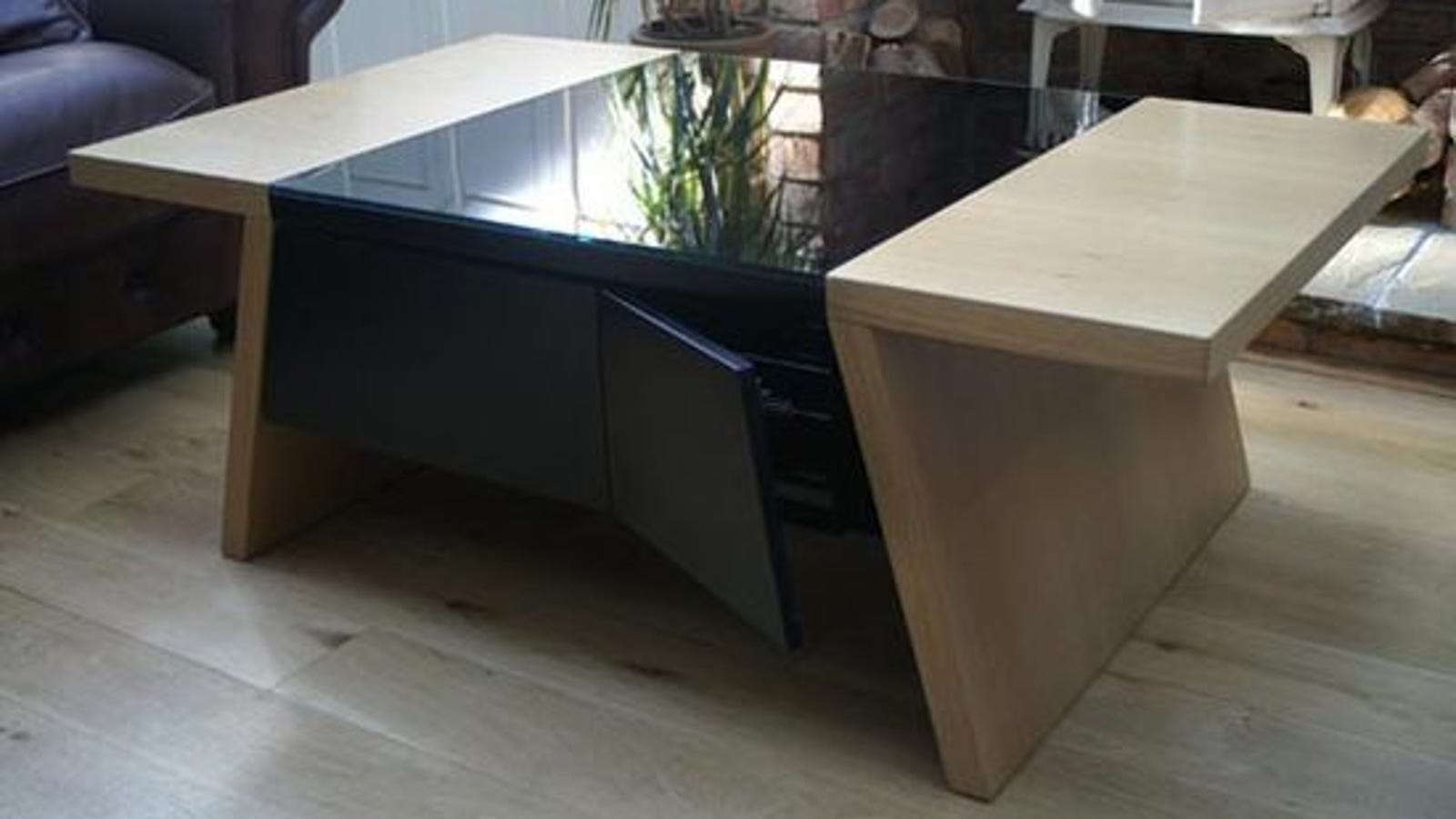 Gaming Coffee Table.Coffee Table Makes Retro Gaming A Contemporary Experience