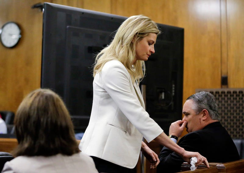 Illustration for article titled Erin Andrews Accuses Hotels Of Giving Her Stalker Rooms Next To Her When He Asked