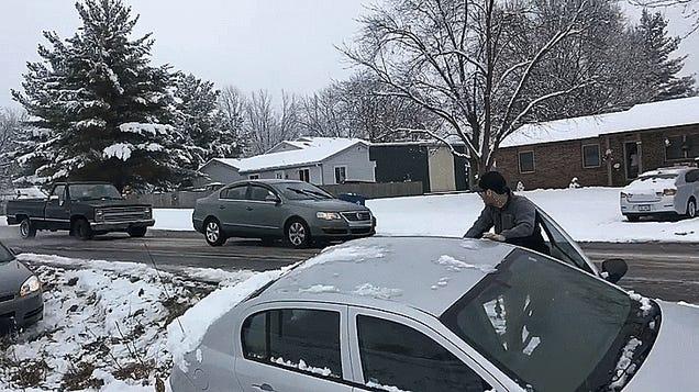 Comcast Xfinity Truck Blocks Traffic, Sends Cars Careening Off Icy Road