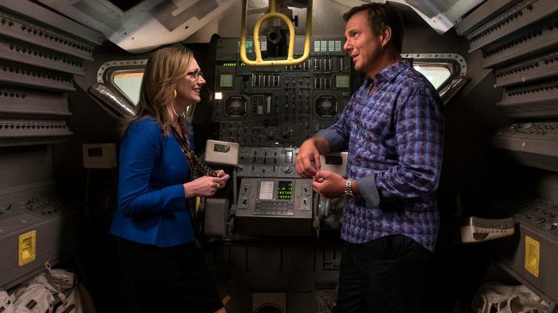 Judy Greer (left), Will Arnett