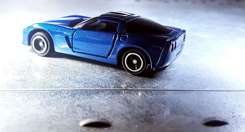 Illustration for article titled A blue Corvette