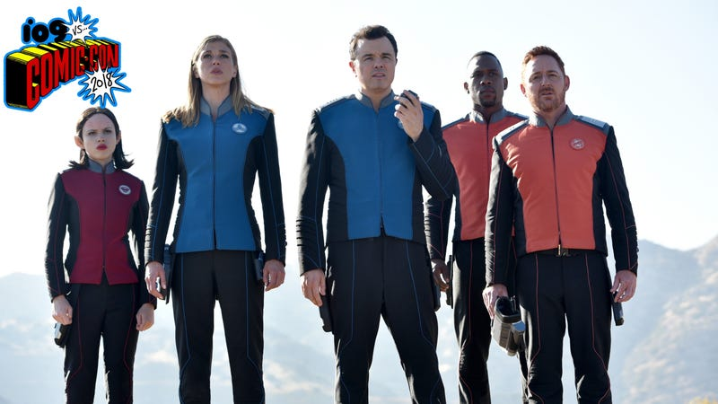 Seth MacFarlane (center) and the Orville crew in the season one finale.