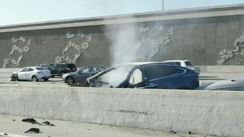 Illustration for article titled NTSB Opens Investigation Into Deadly Tesla Model X Crash