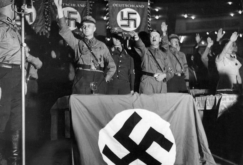 Hitler en una convención en 1932. AP
