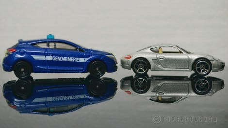 Illustration for article titled French Friday with the Gendarmerie Megane RS