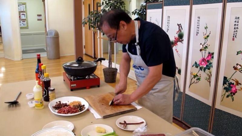 Jeffrey Pang at work (Screenshot: YouTube)