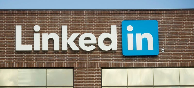 Illustration for article titled LinkedIn Joins the Hoaxbuster Club, Buys Patent for Fact-Checking System