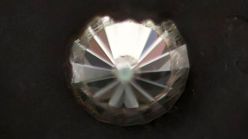 Yunque de diamante con el que han logrado sintetizar la lonsdaleíta. Foto: Jamie Kidston, ANU