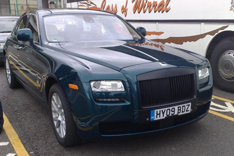 Illustration for article titled Rolls Royce Ghost Spotted, Driven By Lesser Dukes