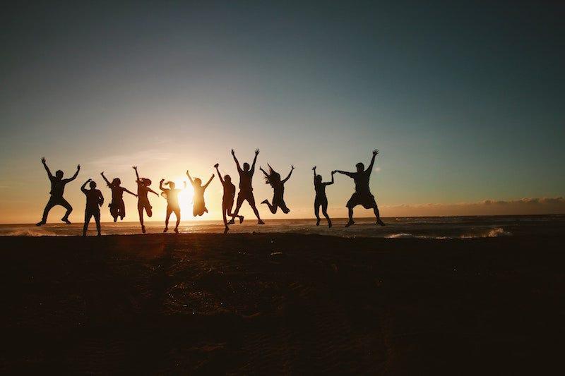 Cuántas horas necesitas invertir para hacer amigos, según la ciencia