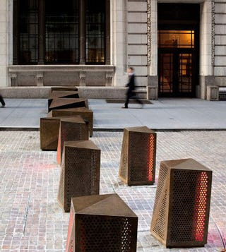 New York S Beautiful Rotating Led Anti Terrorism Sculptures
