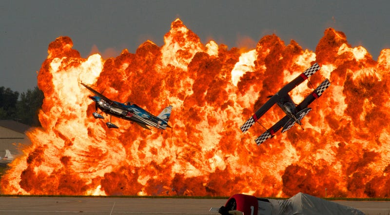Illustration for article titled The size of this stunning explosion at an air show defies belief