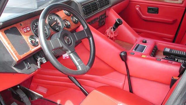 what 39 s the worst super car interior. Black Bedroom Furniture Sets. Home Design Ideas