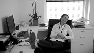 Illustration for article titled Ann Curry Encourages Nation to Do 20 Acts of Kindness, Nation Responds Enthusiastically