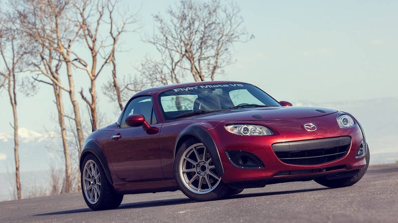 Illustration for article titled This V8 Miata is the best car I've ever driven