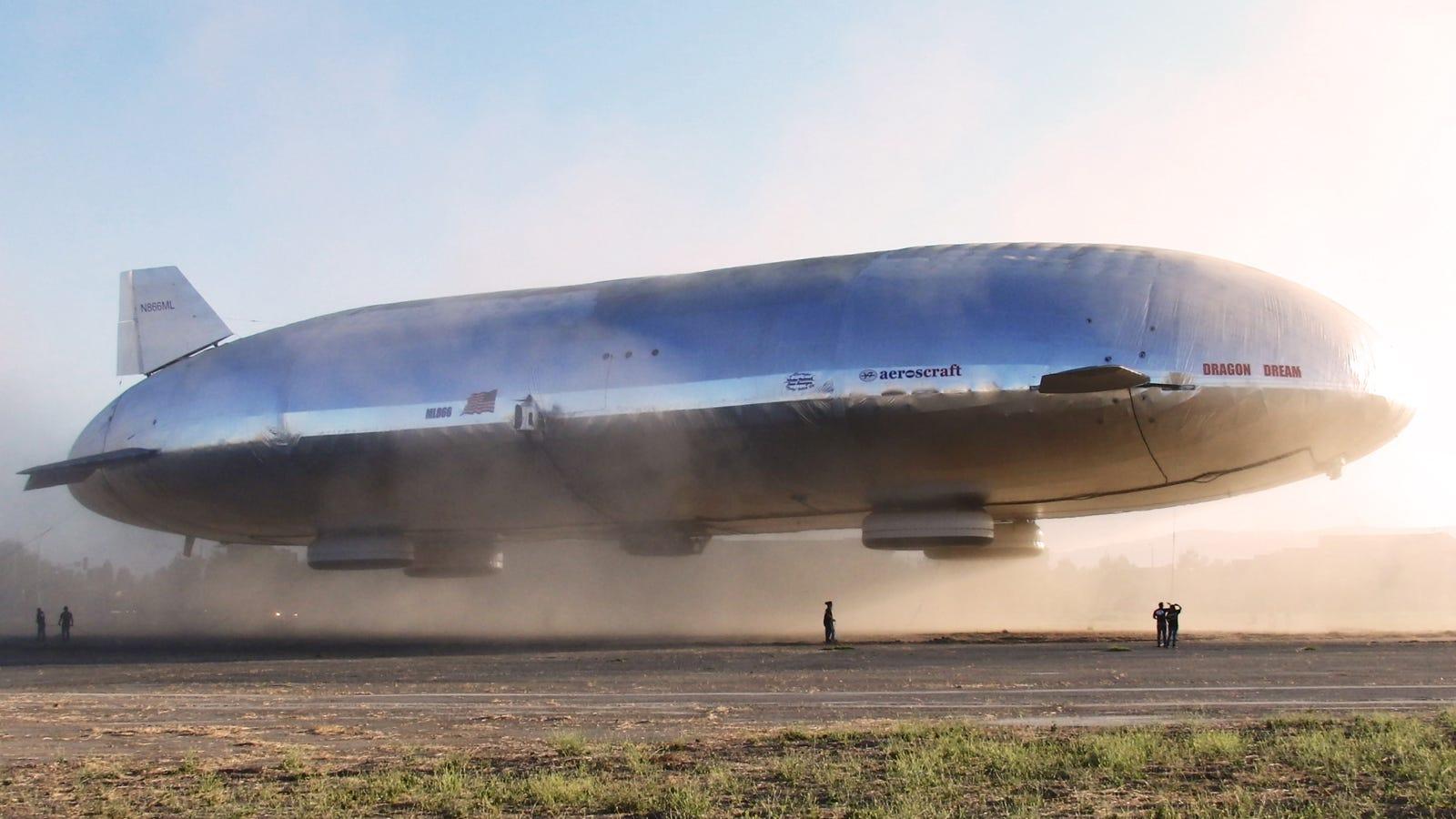El primer zeppelin híbrido del futuro ya surca los cielos