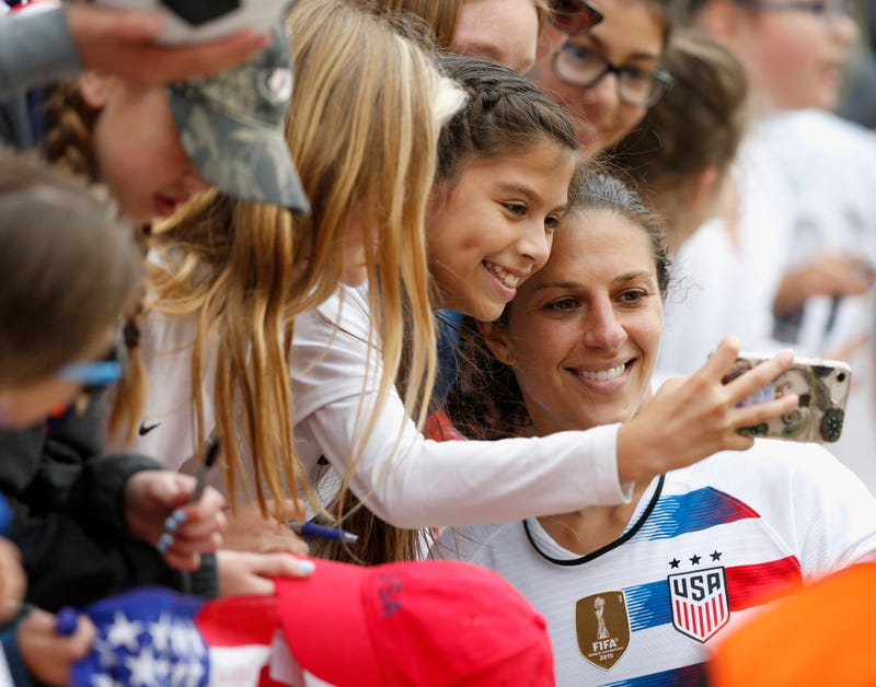 reputable site 087e3 1f2bf World Cup Hero Carli Lloyd Is Back Home In New Jersey To ...