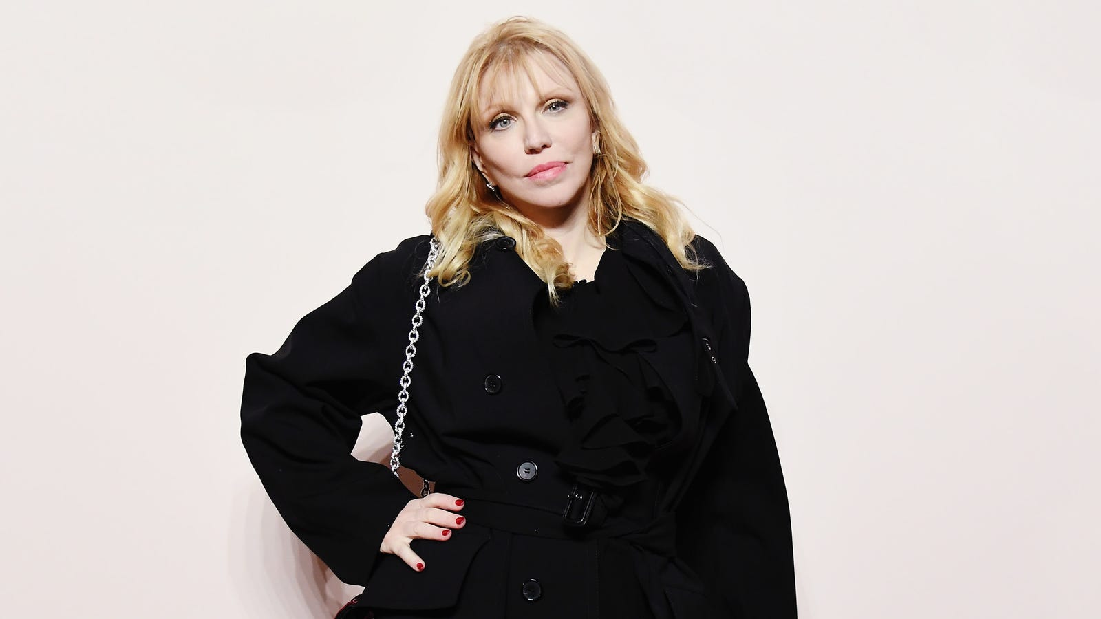 Courtney Love, Infamous Former Addict, Will Not Sell Out to the Sackler Family, Manufacturers of the Opioid Crisis