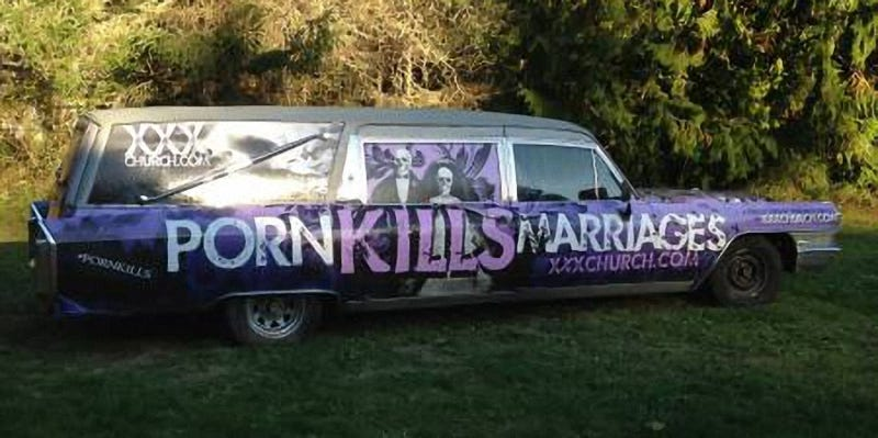 Illustration for article titled For $4,000, Would You Be Dying To Buy This 1965 Cadillac Hearse With Its Anti-Fap Wrap?