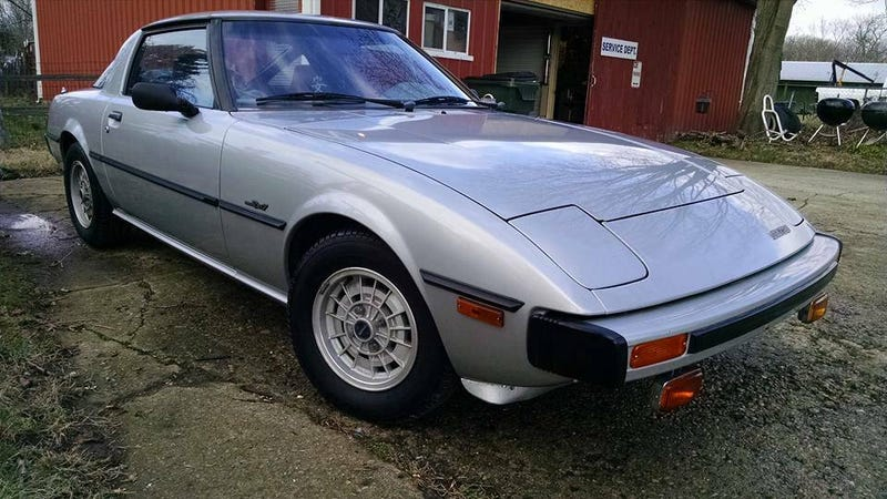 Illustration for article titled For $4,000, Could This Well-Rested 1978 Mazda RX-7 GS Be The Rx For What Ails Ya?