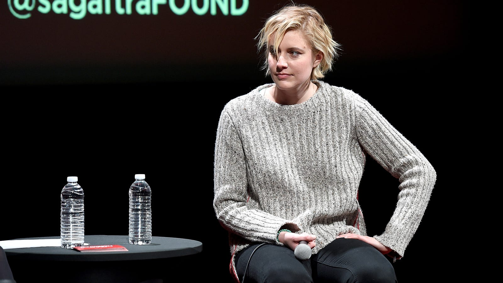 Someone live-tweeted Greta Gerwig's reaction to Amy Schumer's