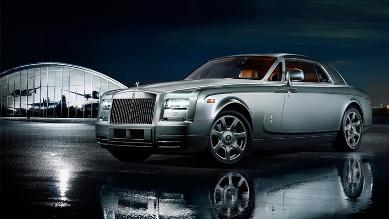 Illustration for article titled Rolls Royce Celebrates Ludicrous Plane Race With Ludicrously Opulent Car