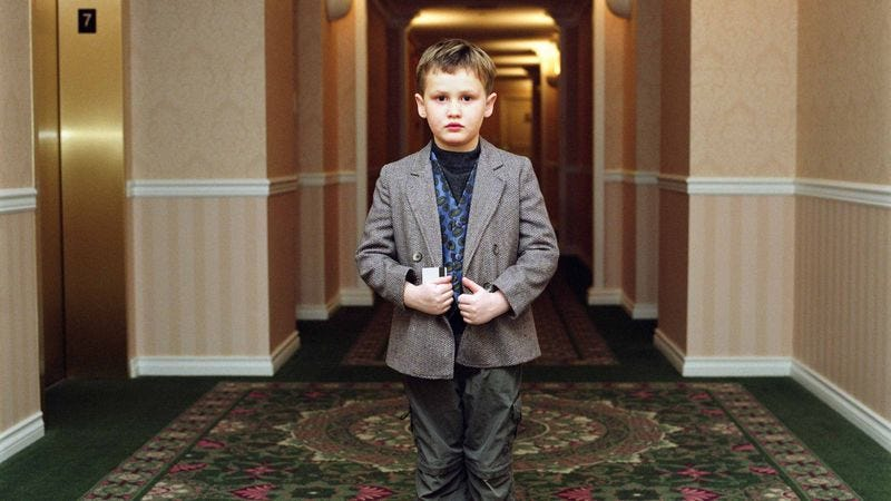 Illustration for article titled Heavy Lies The Crown: This 10-Year-Old Was Just Entrusted With His Own Hotel Room Key