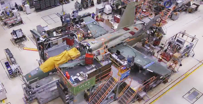 Illustration for article titled Watch Boeing Build An Entire F/A-18F Super Hornet In This Time-Lapse Video