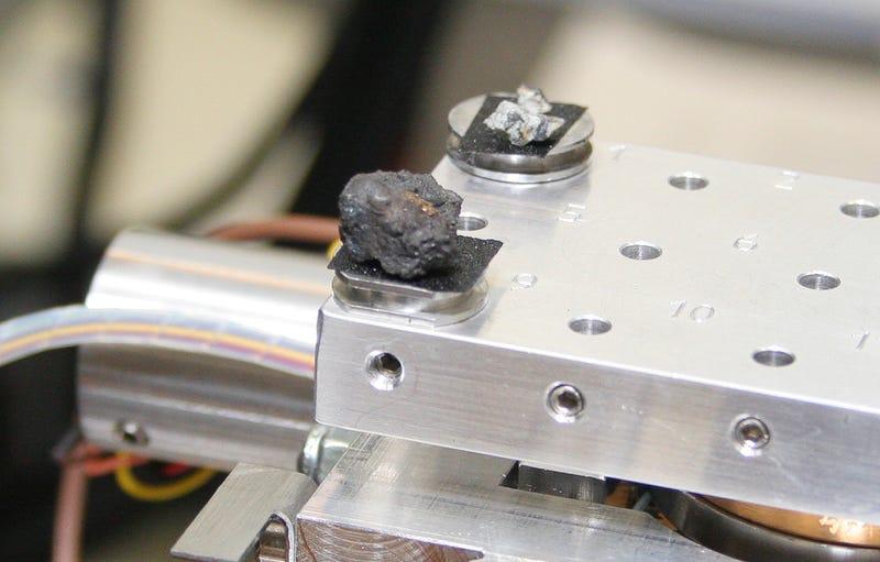 Illustration for article titled ¿De qué se compone el meteorito que cayó en Rusia?