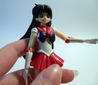 Illustration for article titled The Empress Reviews: Bandai S.H. Figurarts Sailor Mars Figure