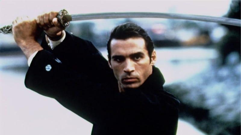 The hair. The katana. It's so fucking 90s. (Image: Highlander: The Series, CBS)