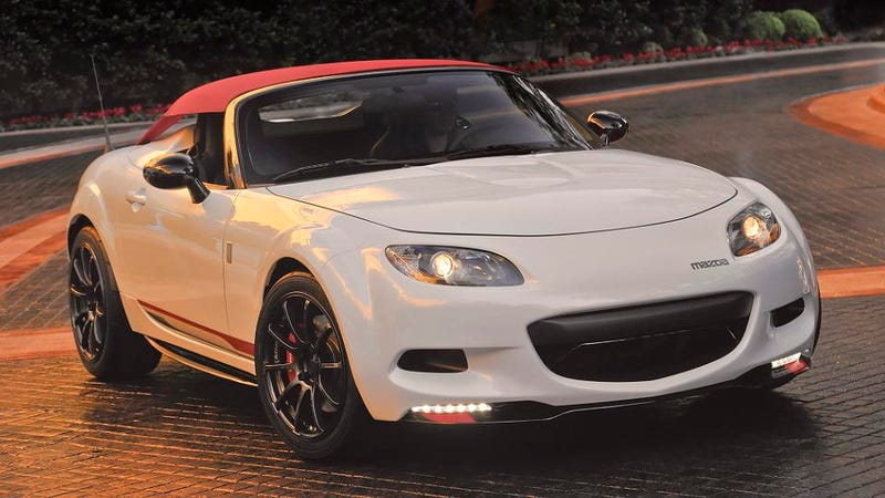 Illustration for article titled Mazda gives MX-5 Miata a Porsche-like top for SEMA