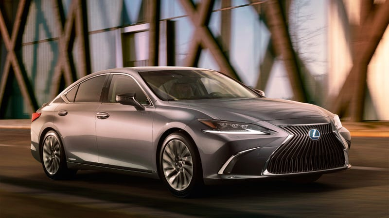 Illustration for article titled The 2019 Lexus ES Isn't Your Dad's Lexus