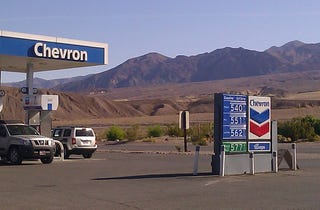 Illustration for article titled Death Valley Chevron's $5.40 gas will kill your wallet