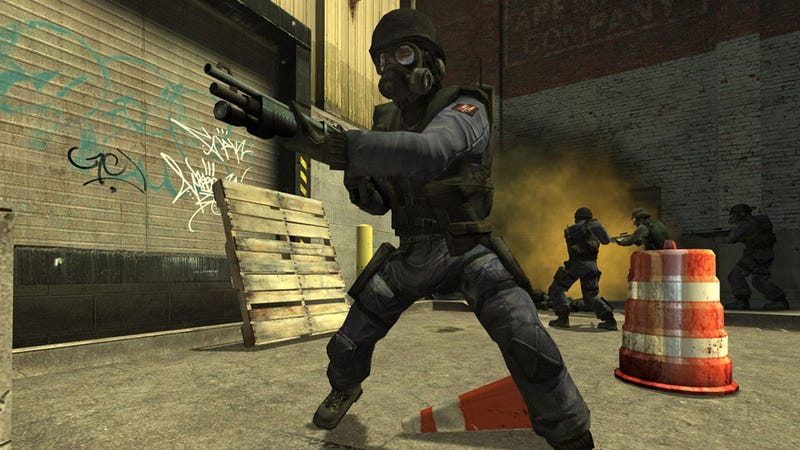 Illustration for article titled Running Guns For Cash In Counter-Strike