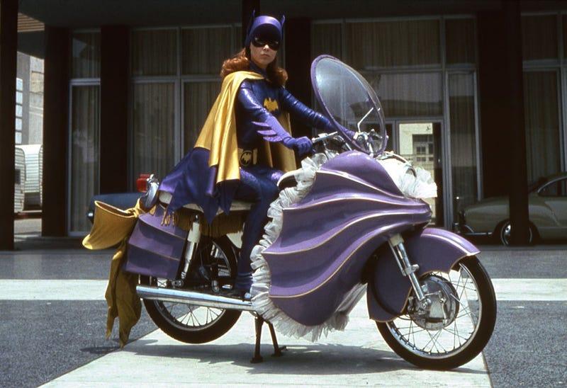 Illustration for article titled RIP Yvonne Craig, TV's First Batgirl