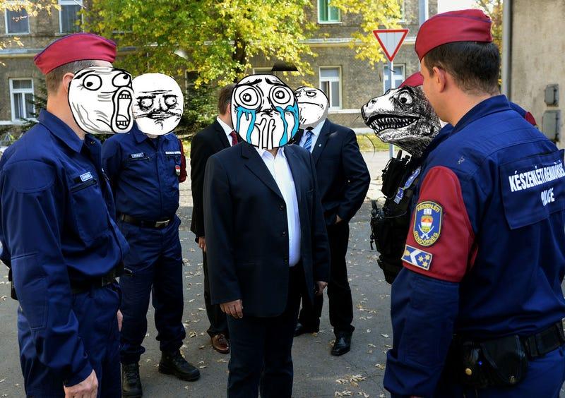 Illustration for article titled Jogerős: szabad trollface-t ragasztani a magyar rendőrök arcára