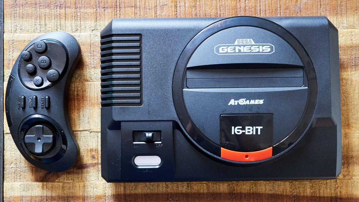 I Tested Two Retro Consoles―One Good, One Hot Garbage