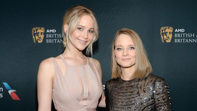 Illustration for article titled Jennifer Lawrence and Jodie Foster replace Casey Affleck as this year's Best Actress presenters
