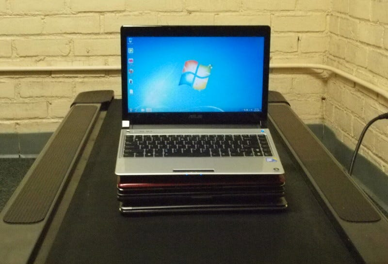 Illustration for article titled Win 7 Laptop Battlemodo: Thin and Lights For Under $800