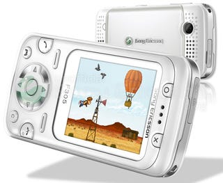 Illustration for article titled Sony Ericsson F305 Has Wiimote-Like Motion Gaming, May Be PSP Phone?