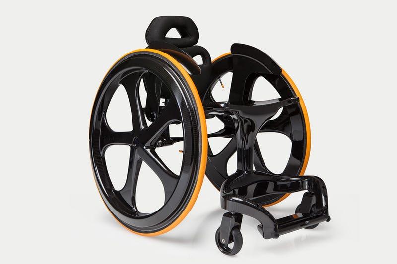 Illustration for article titled Ingenieros de F1 han diseñado esta silla de ruedas de fibra de carbono