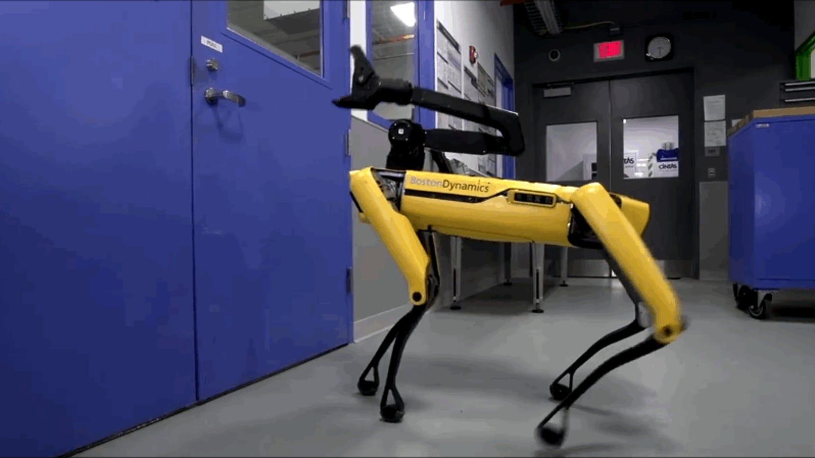 Técnicamente, los robots de Boston Dynamics ya pueden escapar en grupo: ahora abren puertas para salir