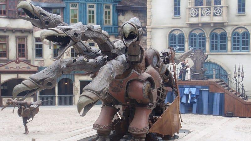 Illustration for article titled Netherlands amusement park unveils €30 million steampunk dragon show