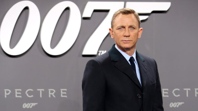 Illustration for article titled Crew member injured in explosion on Bond 25 set
