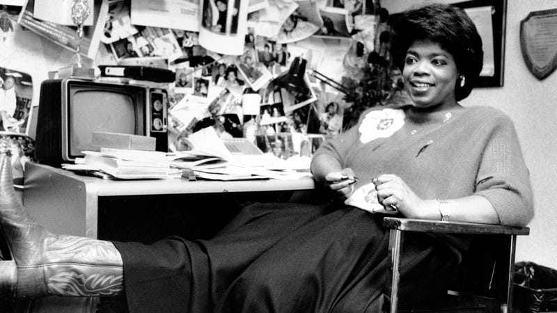 Oprah in her studio office, 1985. Photo via AP Images.