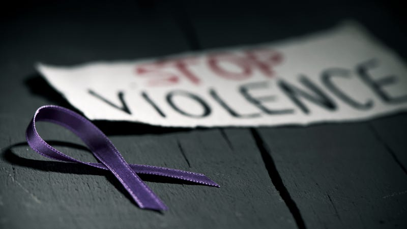Illustration for article titled New York Just Took a Major Step in Addressing the Link Between Domestic Violence and Guns
